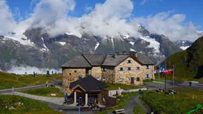 Das Haus Alpine Naturschau an der Hochalpenstraße