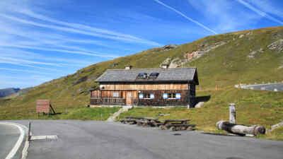 Urig und gemütlich - Mesenaten Hütte
