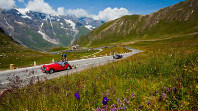 Classic cars on the Grossglockner High Alpine Road