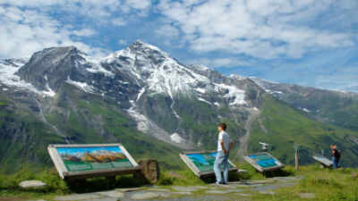 Sevice point Hochmais with a view of the Grossglockner