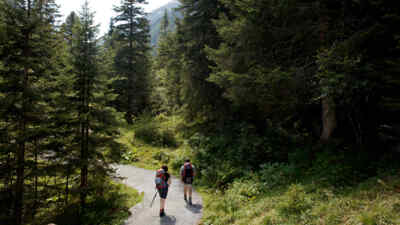 Two hikers on the Gerlosstrasse