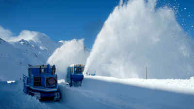 Snow clearence with rotary snow ploughs