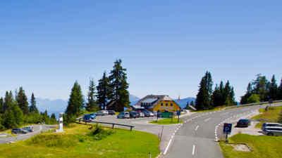 Parkplatz vor der Aichingerhütte